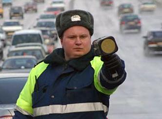 Памятка водителю: что делать, если вас остановил инспектор ГИБДД